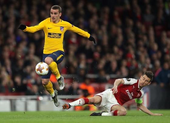Wenger cam đoan Arsenal sẽ ghi bàn trên sân Wanda ảnh 1
