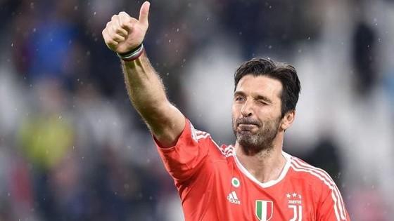 Gigio Buffon có lẽ sẽ đến PSG hơn là sang Manchester United.
