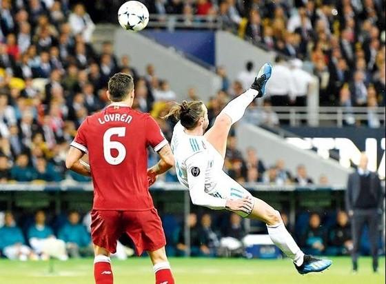 Ronaldo đánh bại Bale để đoạt giải Bàn thắng đẹp nhất mùa giải Champions League  ảnh 3