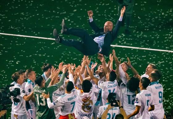 Sốc khi Zidane tuyên bố chia tay Real Madrid ảnh 12