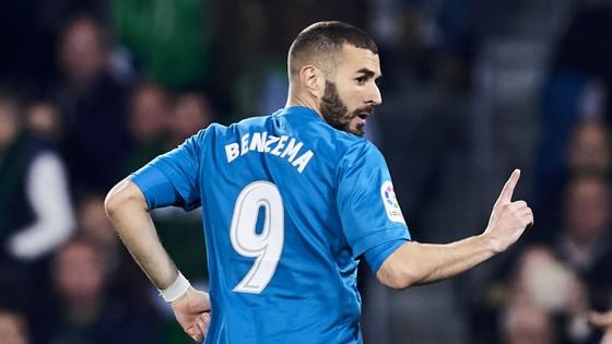 Carlo Ancelotti đang rất muốn có Karim Benzema ở Napoli.
