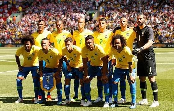 Neymar nhảy điệu samba trên sân Anfield ảnh 4