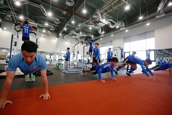 Ryan Giggs tin cơ hội dự World Cup 2030 cho Việt Nam là trong tầm tay ảnh 1