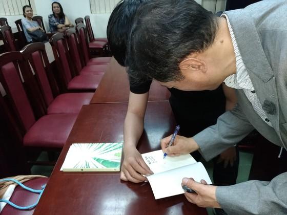 """Giáo sư Hàn Quốc khuyên sinh viên """"Chọn nghề bạn yêu, yêu nghề bạn chọn"""" ảnh 4"""