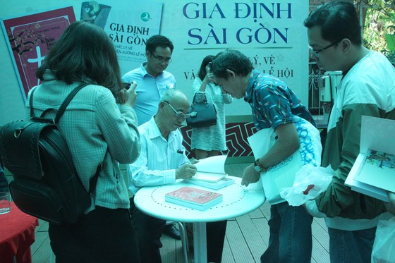Ra mắt sách tái hiện nhiều di sản dân gian của Gia Định - Sài Gòn ảnh 3