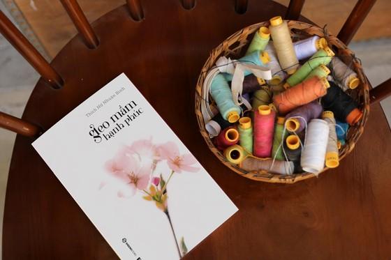 Ra mắt sách về hạnh phúc, sư cô dùng toàn bộ nhuận bút làm từ thiện  ảnh 2
