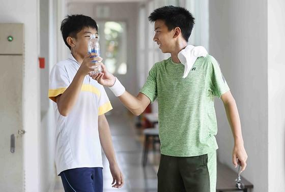 Giải quần vợt U.14 nhóm 2 châu Á: Xuất hiện nhiều tài năng Việt kiều ảnh 2