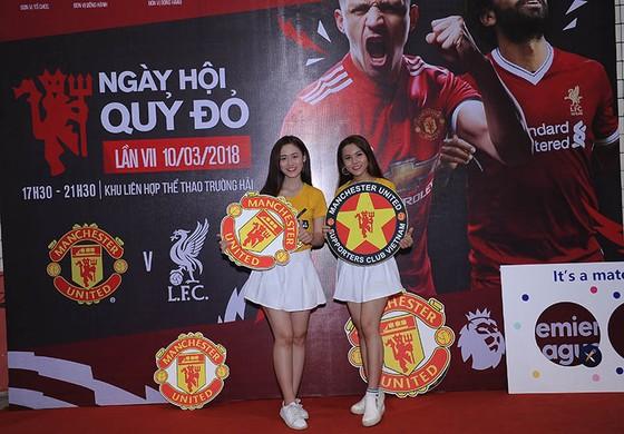 """Trận MU – Liverpool 2-1: Fan MU tại HCM nhảy múa ăn mừng chiến thắng """"Quỷ đỏ"""" ảnh 6"""