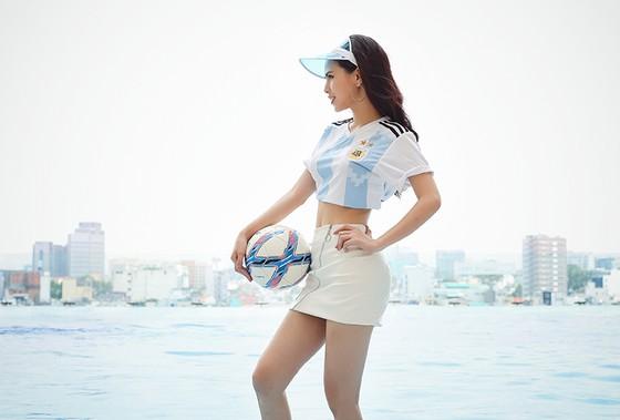 """Người đẹp World Cup: Phi Huyền Trang dự đoán  """"Messi sẽ toả sáng và đội bóng Argentina sẽ vô địch"""". ảnh 5"""