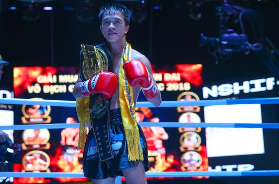 Duy Nhất đánh bại võ sĩ Thái để bảo vệ thành côngđai vô địch USC ảnh 2