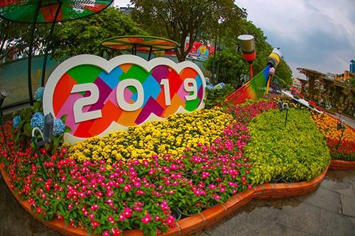 Đường hoa Nguyễn Huệ năm 2019 nhìn từ trên cao ảnh 6