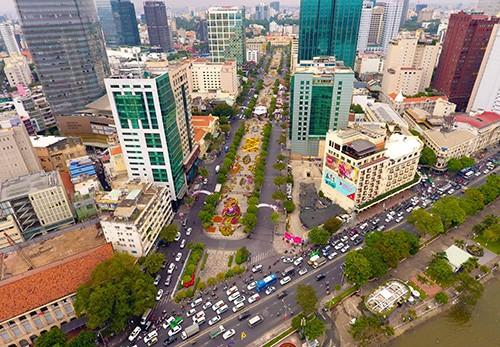Đường hoa Nguyễn Huệ năm 2019 nhìn từ trên cao ảnh 2
