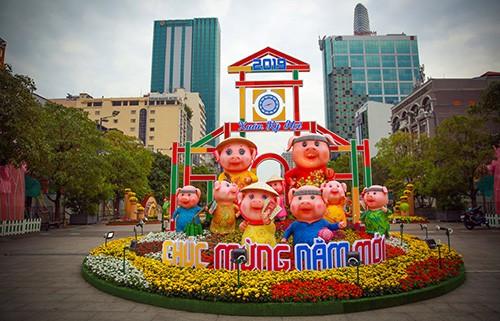 Đường hoa Nguyễn Huệ năm 2019 nhìn từ trên cao ảnh 7