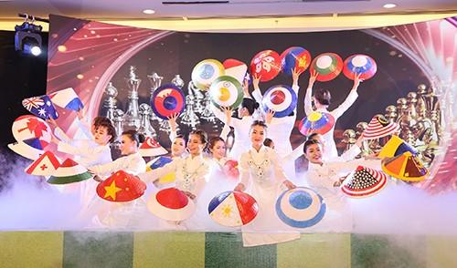 Những bóng hồng tại giải cờ Vua quốc tế ảnh 1