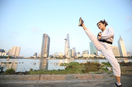 Minh Anh thường thức dậy sớm để ra ngoài tập luyện . Ảnh: Dũng Phương
