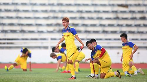 Các tuyển thủ Việt Nam thả lỏng chờ trận chung kết với Cuaracao ảnh 7