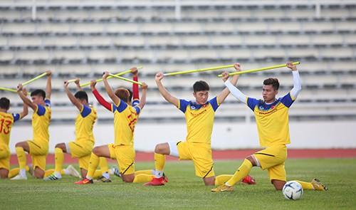 Các tuyển thủ Việt Nam thả lỏng chờ trận chung kết với Cuaracao ảnh 5