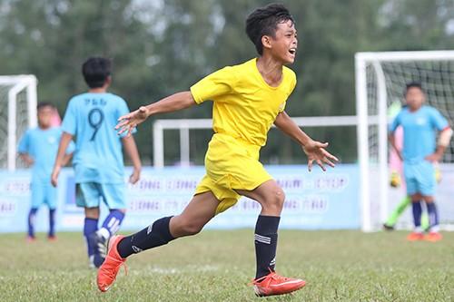 Giải bóng đá thiếu nhi Bà Rịa - Vũng Tàu 2019: Cầu thủ Lê Thái Vũ ghi đến 21 bàn thắng ảnh 3