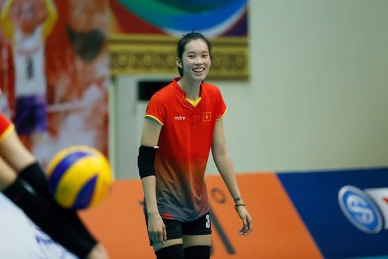 Đội tuyển nữ Việt Nam thoải mái tinh thần trước VTV Cup 2019 ảnh 7