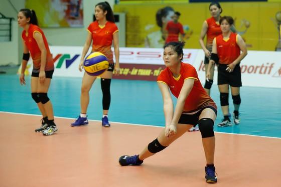 Đội tuyển nữ Việt Nam thoải mái tinh thần trước VTV Cup 2019 ảnh 8