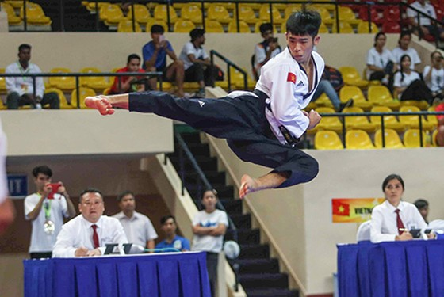Việt Nam giành 3 HCV ngày khai mạc Giải vô địch taekwondo châu Á ảnh 1