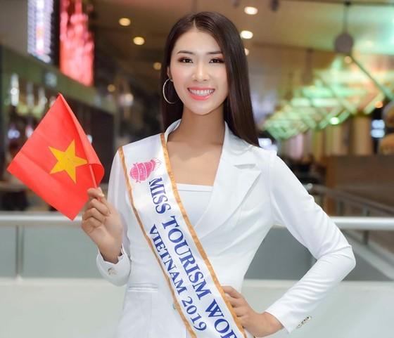 Tường Vy vừa bay sang Trung Quốc để tranh tài với gần 70 thí sinh đến từ khắp thế giới. Ảnh: DŨNG PHƯƠNG