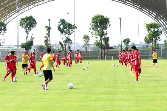 U23 Việt Nam hối hả tập luyện chuẩn bị Asiad 2018. Ảnh: MINH HOÀNG