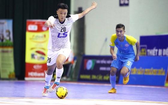 Thái Sơn Nam sẽ gặp Sanna Khánh Hòa trong trận chung kết