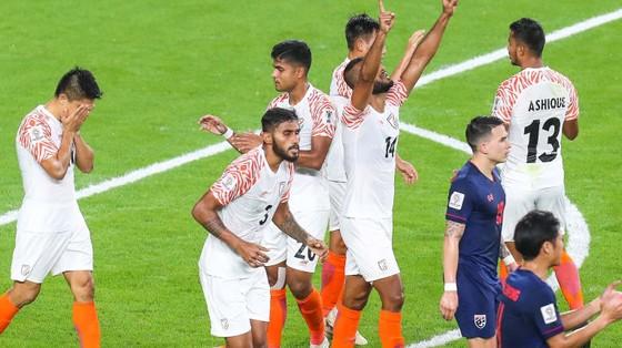 Ấn Độ có chiến thắng dễ dàng trước Thái Lan