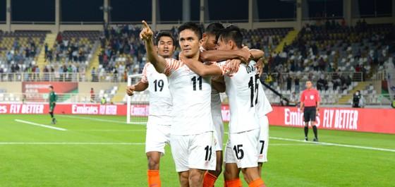 Thái Lan thua đậm Ấn Độ ở trận ra quân  ảnh 1