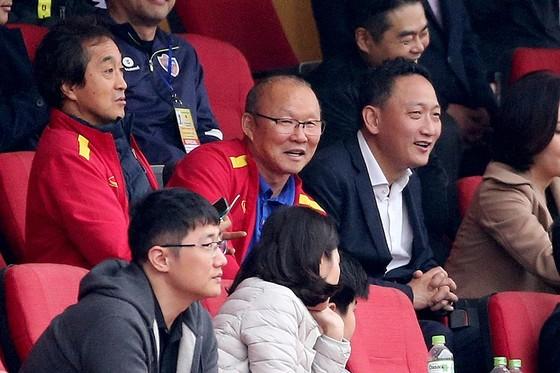 U22 Việt Nam bất phân thắng bại với Ulsan Hyundai FC ảnh 1