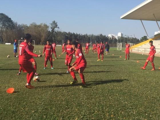 Lãnh đạo VFF đến thăm và chúc Tết đội U.22 Việt Nam  ảnh 2