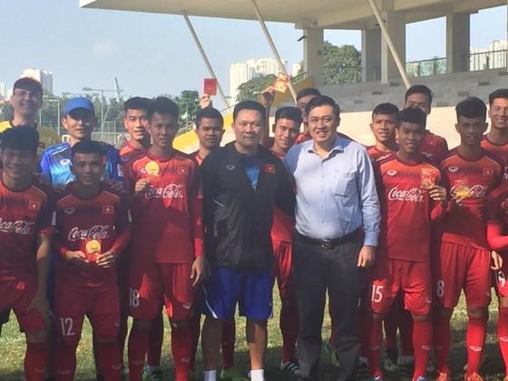 Lãnh đạo VFF đến thăm và chúc Tết đội U.22 Việt Nam  ảnh 1