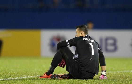 HLV Trần Minh Chiến không hài lòng sau trận thua Ceres Negros ảnh 2