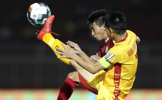 CLB TPHCM và Thanh Hóa bất phân thắng bại trên sân Thống Nhất. Ảnh: DŨNG PHƯƠNG