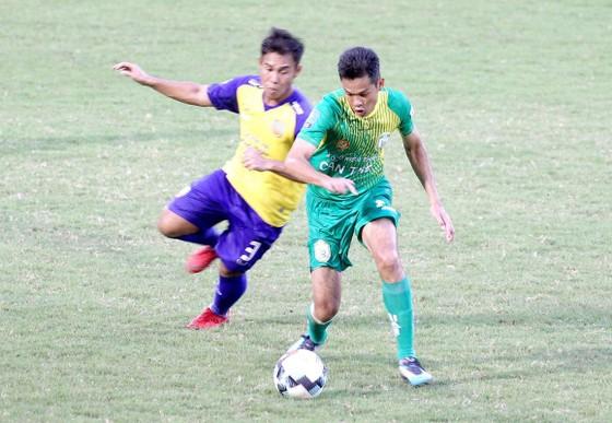 Hà Tĩnh vô địch lượt đi giải hạng Nhất – LS 2019