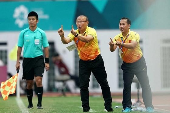 VFF đang xúc tiến việc đàm phán gia hạn hợp đồng với ông Park. Ảnh: DŨNG PHƯƠNG