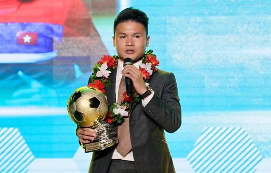 Quả bóng vàng Việt Nam 2019 Nguyễn Quang Hải. Ảnh: HOÀNG HÙNG