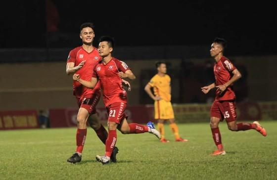 Hải Phòng gây bất ngờ qua chiến thắng cách biệt trên sân Thanh Hóa. Minh Hoàng