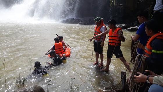 Gia Lai: Tìm thấy thi thể 3 thanh niên mất tích ở thác nước ảnh 2