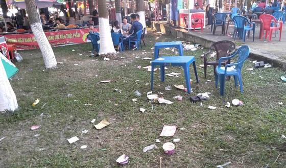 Đà Nẵng: Công viên 29 tháng 3 ngập rác sau tết ảnh 8