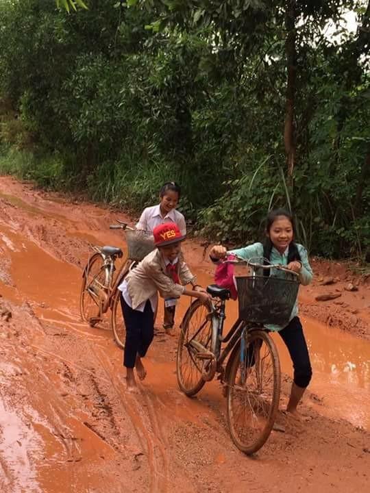 Ám ảnh con đường đến lớp của học sinh thôn Trảng Rộng ảnh 2