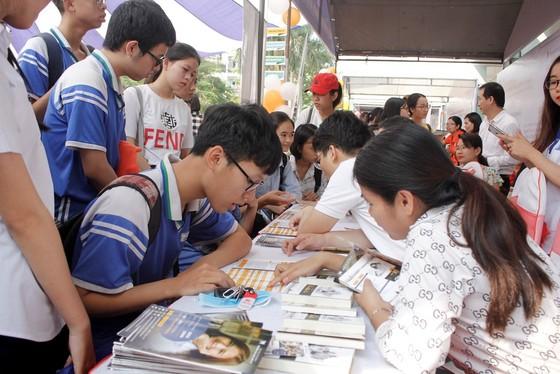 Đà Nẵng: Hàng trăm học sinh tham gia tư vấn tuyển sinh và hướng nghiệp  ảnh 2