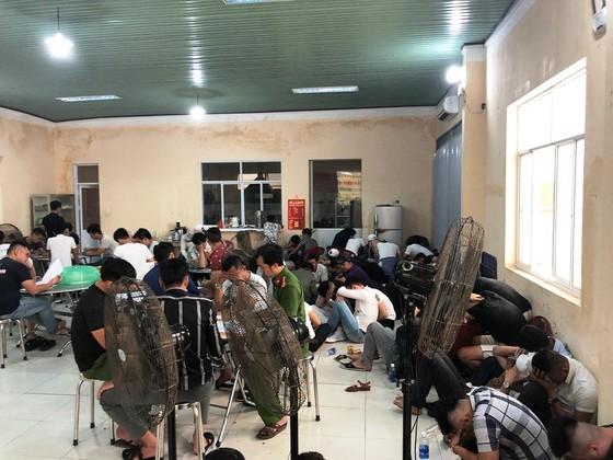 Kiểm tra quán bar ở Đà Nẵng phát hiện 80 đối tượng dương tính với ma túy ảnh 1