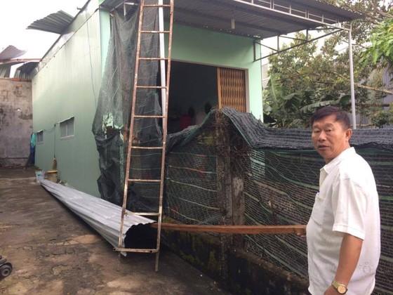 Gia Lai: Lốc xoáy cuốn bay mái tôn 5 phòng trọ, sinh viên chạy tán loạn ảnh 6