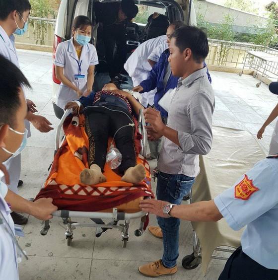 Xe khách lao xuống vực ở đèo Lò Xo, 1 người chết, 19 người bị thương ảnh 5