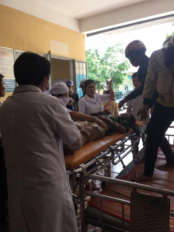 Tai nạn giữa xe tải và xe máy cày, 22 thương vong ảnh 1