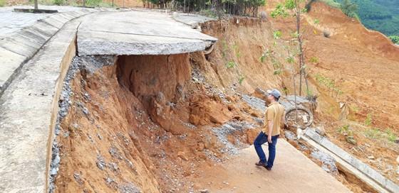 Đường xây, nâng cấp tốn hàng chục tỷ đồng, giờ xin thêm 5 tỷ để sửa chữa  ảnh 2