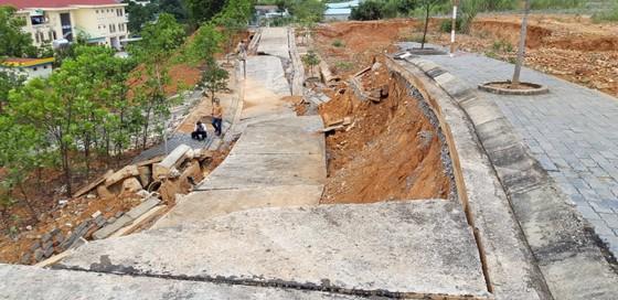 Đường xây, nâng cấp tốn hàng chục tỷ đồng, giờ xin thêm 5 tỷ để sửa chữa  ảnh 1