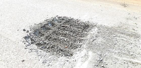 """Sửa chữa con đường gần trăm tỷ nát bét """"gây dư luận không tốt"""" ảnh 9"""
